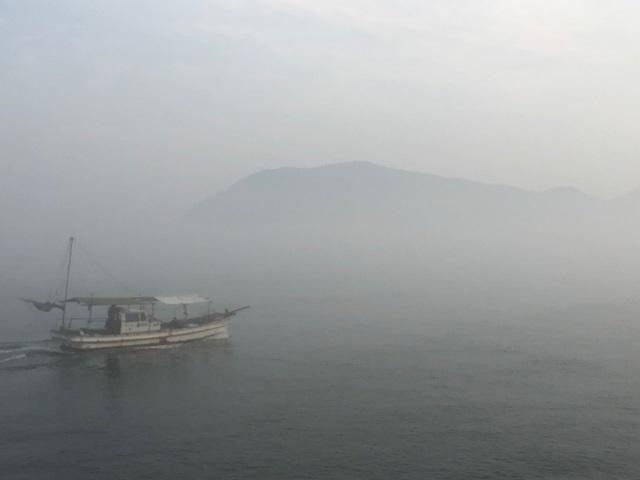 2霧の女木島.jpg