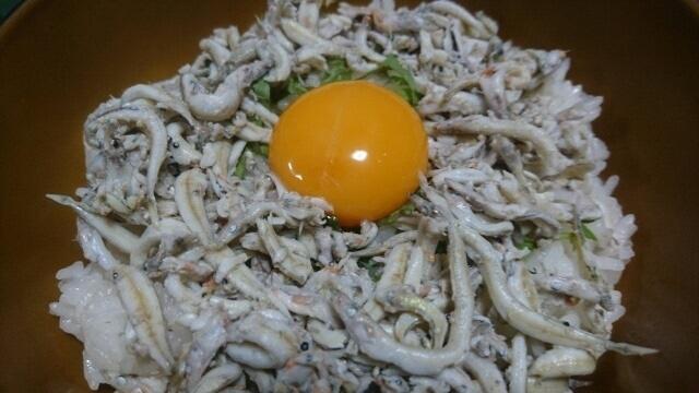 3.イカナゴの釜揚げ丼.jpg